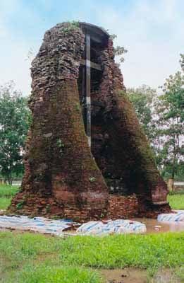 tháp Vĩnh Hưng