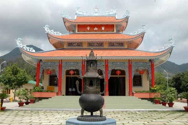 chùa Buur Sơn